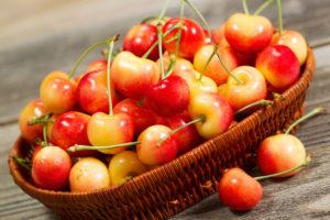 shutterstock_202107376 rainer cherries