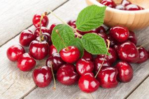 shutterstock_215988805 cherries