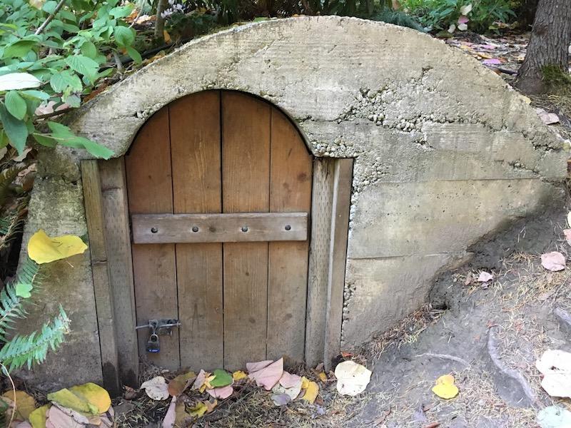 Is that a Hobbit house inside the Bellevue Botanical Garden?